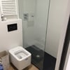 reforma integral baño, con inodoro suspendido