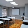 Colocar cortinas en aula de formación