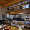 Salón, biblioteca y cocina