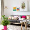 Salón moderno con tejidos de colores