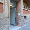 Sustitución de la puerta de acceso y eliminación del desnivel existente