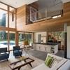 vivienda ecológica con grandes ventanles