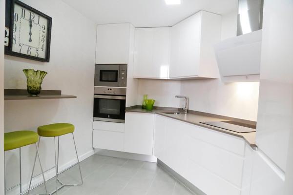 Poner un alicatado en el frontal de la cocina es una buena idea habitissimo - Alicatado cocina ...