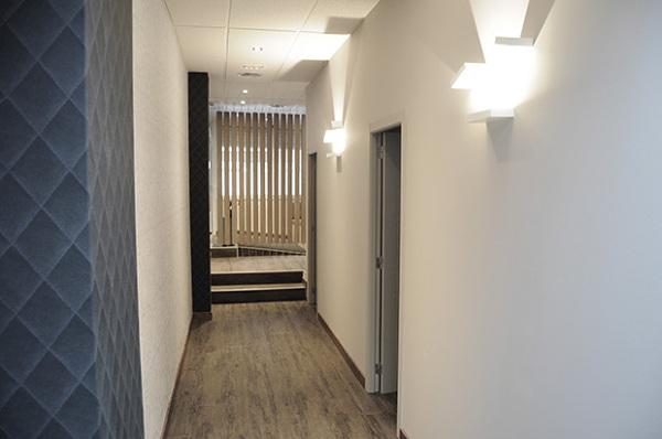 Ideas para decorar mi pasillo largo y sin luz habitissimo - Como pintar un pasillo estrecho y sin luz ...