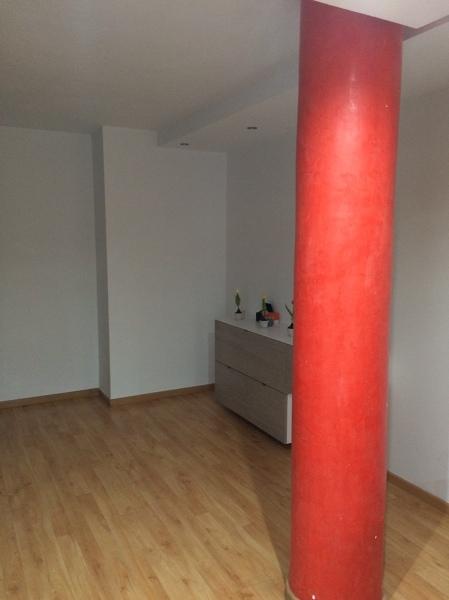 Ayuda para pintar una columna en el sal n habitissimo - Como decorar una columna en el salon ...