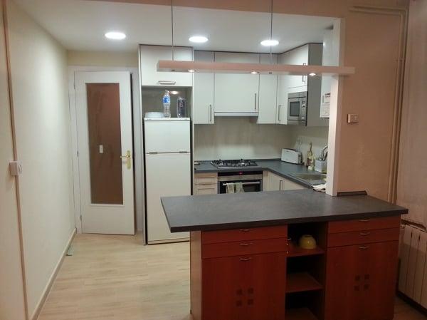 Barra americana en cocina habitissimo for Altura barra cocina
