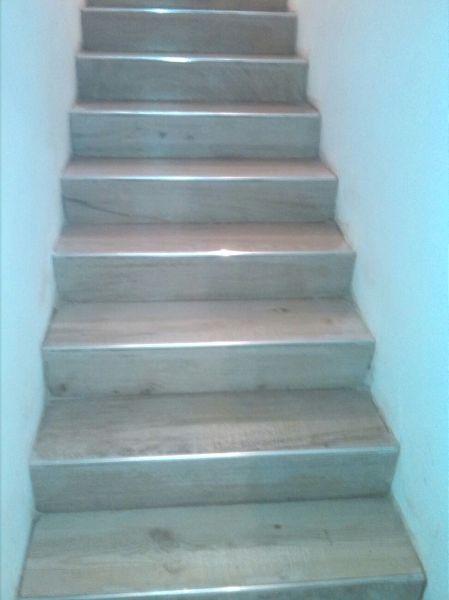 cambiar escalera de granito a madera habitissimo