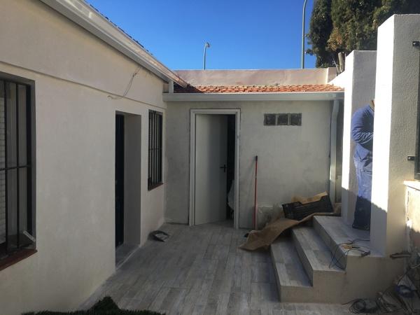 Poner baldosas suelo cheap cmo instalar suelos vinlicos for Nivelar suelo terraza sin obra