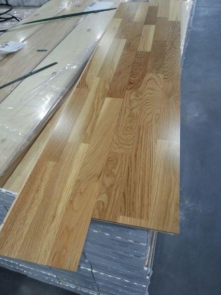 Cu nto cuesta colocar suelo laminado en una vivienda de for Cuanto cuesta una puerta de madera