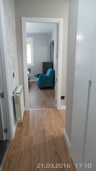 Cu nto cuesta colocar suelo porcel nico en una vivienda - Cuanto cuesta cambiar el suelo de un piso ...
