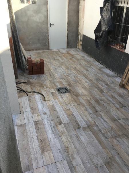 Cu nto cuesta colocar suelo porcel nico en una vivienda - Colocar suelo porcelanico ...