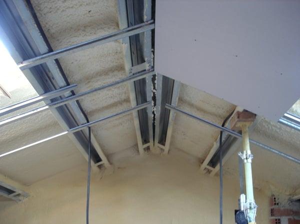 Necesito ayuda para instalar un friso en el techo de una - Colocar friso en pared sin rastreles ...