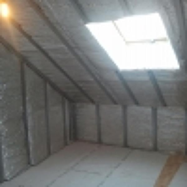 Necesito ayuda para instalar un friso en el techo de una for Como poner pladur en el techo