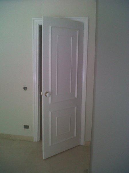 Qu opci n es m s barata para las puertas pintar o lacar - Lacar puerta en blanco ...