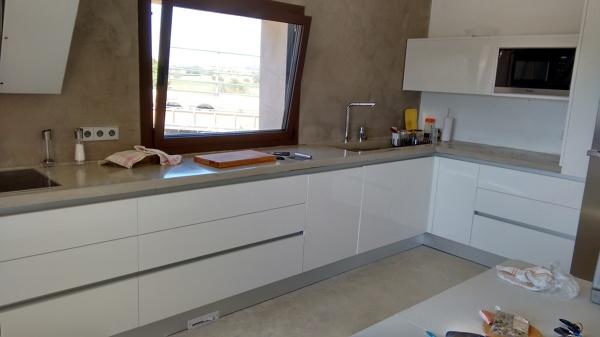 Cu nto podr a costar una cocina lacada con encimera de silestone en palma de mallorca - Precio medio de una cocina ...