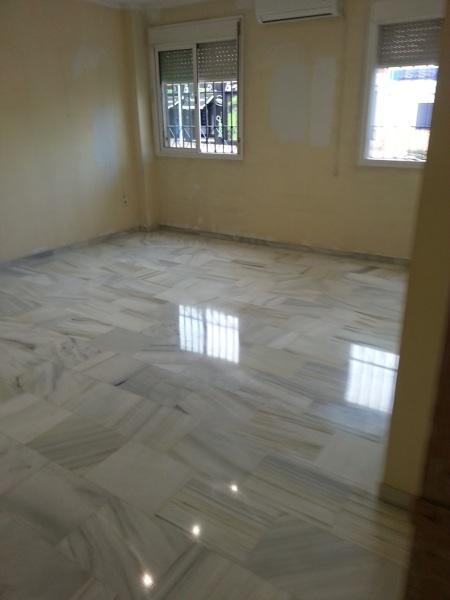 Precio del m2 para abrillantar terrazo habitissimo for Como pulir suelo de terrazo