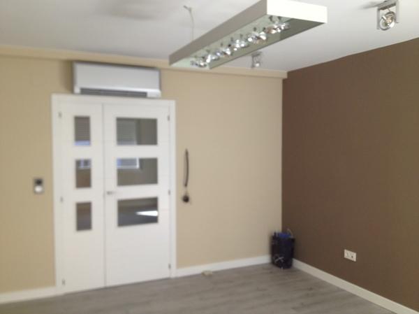 C mo puedo proteger la pared pintada del roce de las sillas habitissimo - Proteger paredes de rozaduras ...