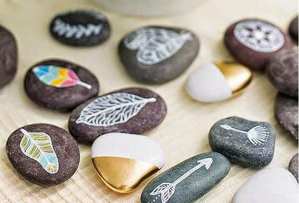 Qu pinturas se utilizan para pintar piedras habitissimo for Pintura para pintar piedras