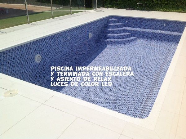 Reforma de piscina azulejo o cemento pulido habitissimo for Precio de piscinas de cemento