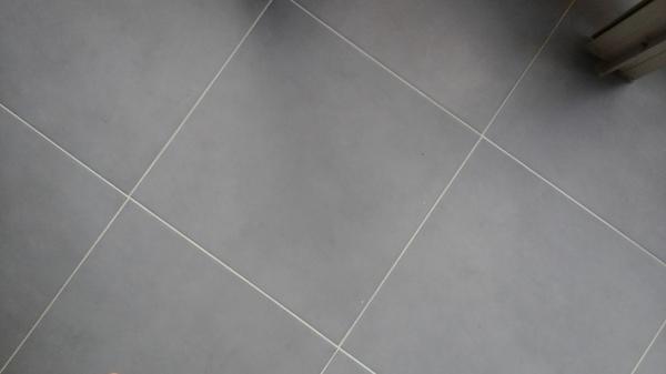 C mo cambiar un suelo demasiado poroso habitissimo - Como pintar las juntas del piso ...