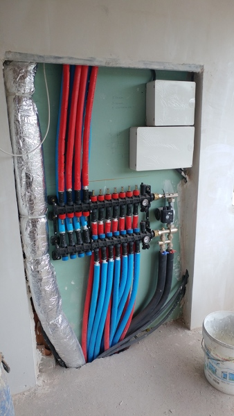Suelo radiante o calefacci n por radiadores habitissimo - Caldera no calienta agua si calefaccion ...