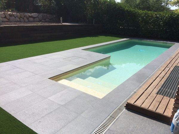 ¿Con qué acabado puedo conseguir el color de esta piscina?