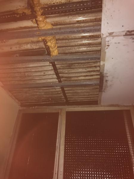 ¿A quién debo buscar para quitar uralitas de una terraza?