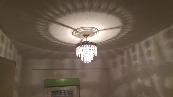 ¿Cuánto costaría cambiar seis lámparas por luces LED?