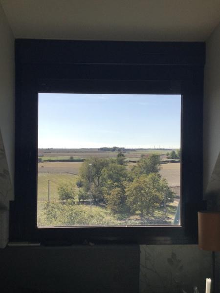 ¿Cuánto costaría cambiar una ventana del dormitorio?