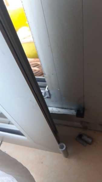 ¿Cómo reparar puerta aluminio?