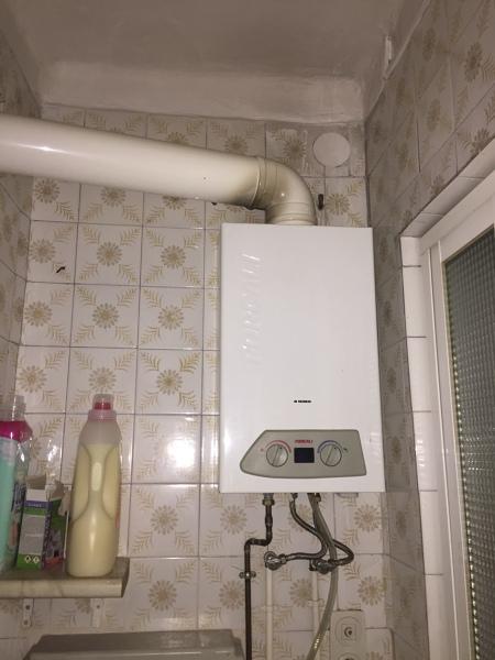 ¿Es normal que el calentador desprenda tanto calor?