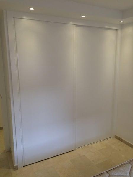 ¿Cuánto costaría un armario en L?