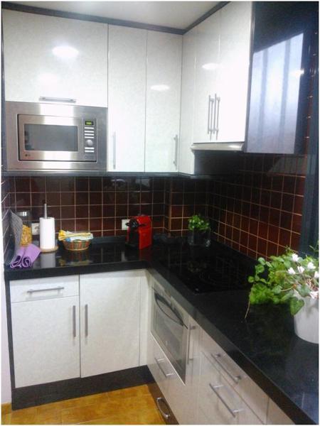 Presupuesto ventana cocina en madrid online habitissimo - Cambiar azulejos cocina ...