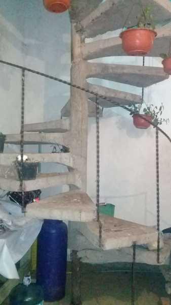 ¿Se puede cambiar una escalera de caracol por una recta?