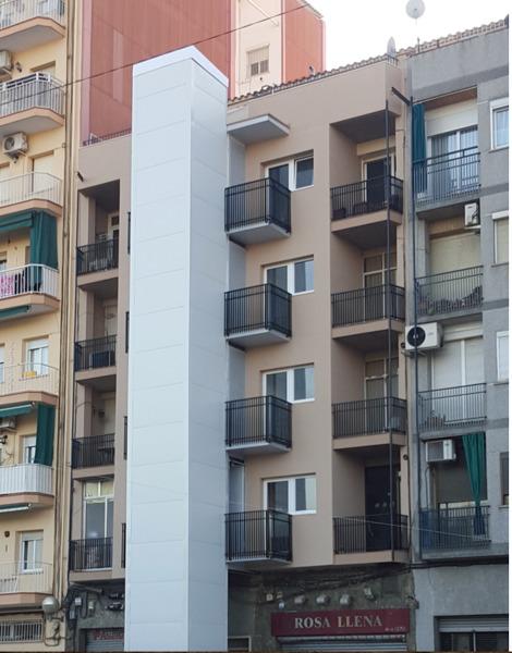 ¿Qué costaría cerrar un ascensor exterior en vivienda de 7 pisos?