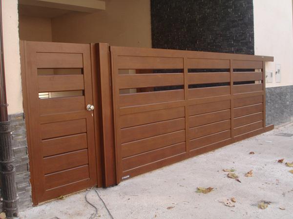 Presupuesto instalar puerta de garaje aluminio online for Puertas jardin aluminio