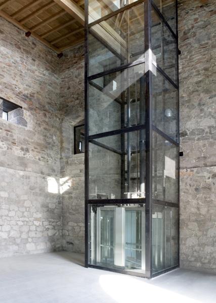 ¿Cómo podríamos instalar un ascensor como este en una comunidad?