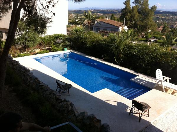Cu nto podr a costar una piscina igual habitissimo for Cuanto puede costar hacer una piscina