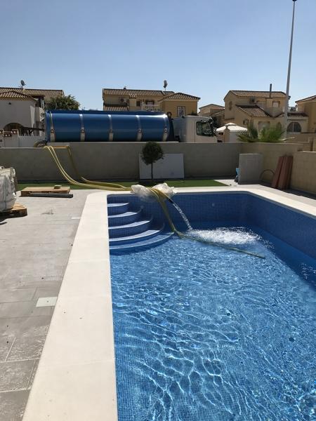 Pregunta a la comunidad de mantenimiento piscinas for Cubas de agua para llenar piscinas