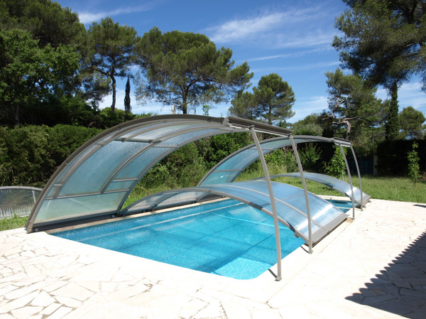 ¿Dónde se puede comprar esta cubierta para piscina?