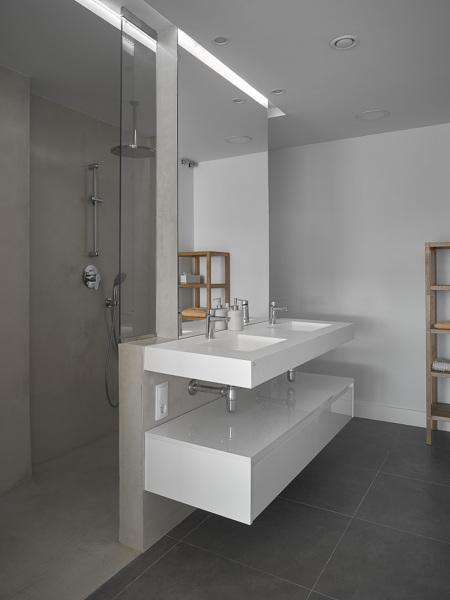 Estos muebles de ba o est n en m s colores habitissimo for Marcas lavabos