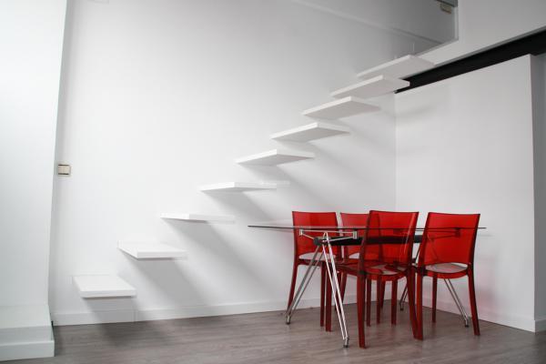 Escalera al aire habitissimo for Escaleras villar