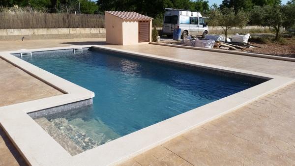 Presupuesto piscina exterior en sevilla online habitissimo for Piscinas hechas a medida