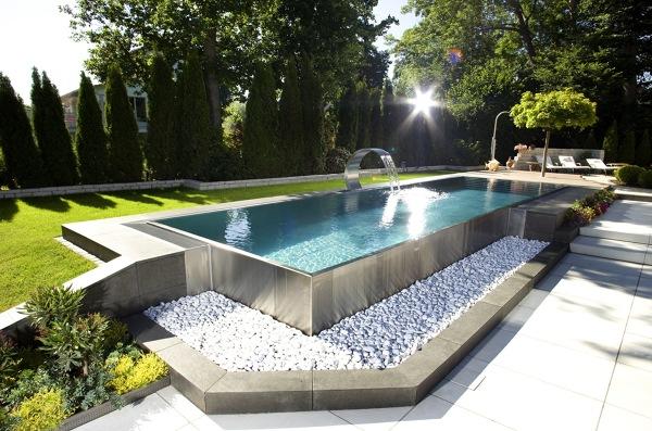 ¿Qué costaría una piscina de estas dimensiones?