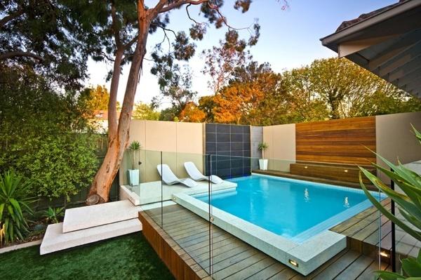 ¿Dónde poner una piscina en mi patio?