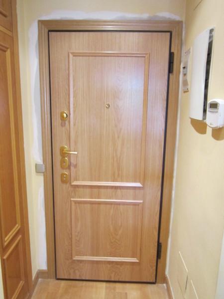 ¿Es posible lacar una puerta semiacorazada?