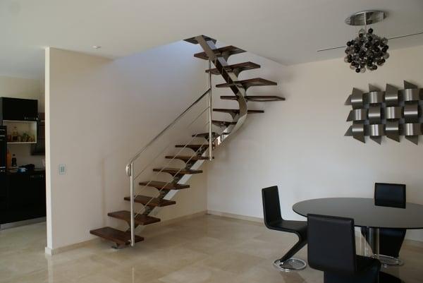 Presupuesto hacer barandilla de escalera online habitissimo for Escalera de 5 metros