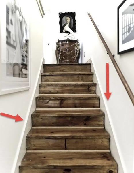¿Cuál es el proceso de fabricación para realizar el cartabón de madera lacada en la escalera?