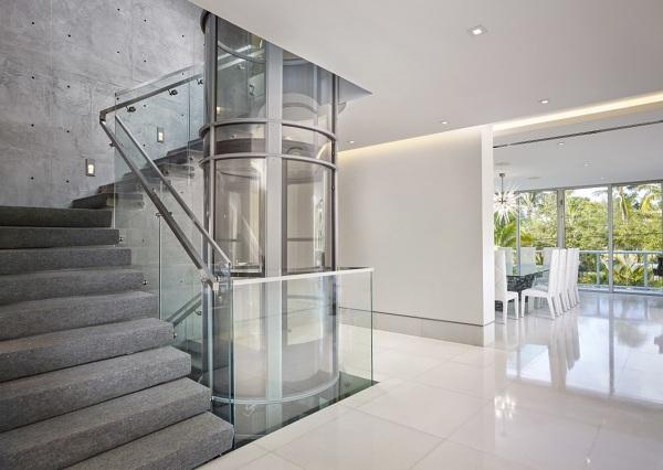 ¿Cuál sería el espacio mínimo necesario para instalar el ascensor?