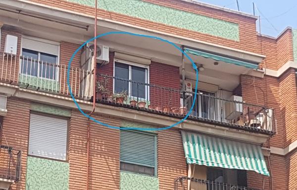 ¿Qué puede ocultarse en esta fachada pintada?